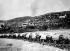 Convoi de véhicules militaires chinois lors de l'invasion du Tibet, 1959. © TopFoto/Roger-Viollet