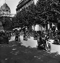 War 1939-1945. Liberation of Paris. Motorcyclists of the French police. August 25, 1944. © Pierre Jahan/Roger-Viollet