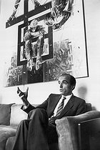 Alain Juppé, French politician, in his study, as a deputy mayor of Paris and a European deputy, on June 28, 1985. © Jean-Pierre Couderc/Roger-Viollet