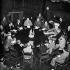 Guerre 1939-1945. Conférence de Potsdam. Winston Churchill avec A.H. Birse, Mr Attlee, Molotov, Mr Gusev, ambassadeur de Russie à Londres, Staline, le président Truman, Sir Alexander Cadogan et Mr Anthony Eden. Potsdam (Allemagne), 17 juillet - 2 août 1945. © TopFoto/Roger-Viollet