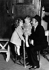 Shirley Temple (1928-2014) et Adolphe Menjou (1890-1963), acteurs américains. 1934. © Ullstein Bild/Roger-Viollet