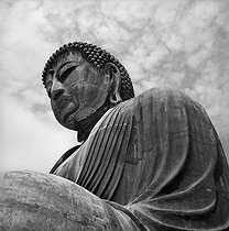 Amida Buddha, in the temple of Kotoku-in (1252). Detail of the head. Kamakura (Japan), March 1962. © Roger-Viollet