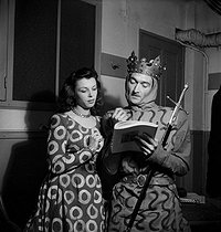 """Richard II"" by Shakespeare. Léone Nogarède and Jean Vilar. Paris, Théâtre National Populaire, October 1947. © Studio Lipnitzki/Roger-Viollet"