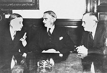 John Foster Dulles (1888-1959), American politician and lawyer, with Anthony Eden (1897-1977), British politician. © Roger-Viollet