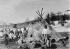 Inuits devant une tente de fourrure. Groenland.  © Haeckel Collection/Ullstein Bild/Roger-Viollet