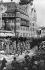 Anschluss. Entrée des troupes de la Wehrmacht à Kufstein (Autriche), 12 mars 1938. © Ullstein Bild / Roger-Viollet