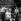 """Yves Montand et Simone Signoret, pendant le tournage du film """"Le salaire de la peur"""" de Henri Georges Clouzot. Nîmes (Gard), 1951.  © Roger Berson / Roger-Viollet"""