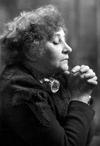 Colette (1873-1954), French writer, 1939. © Laure Albin Guillot / Roger-Viollet