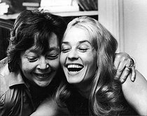 Marguerite Duras (1914-1996), French writer, and Jeanne Moreau (1928-2017), French actress. © Jack Nisberg / Roger-Viollet