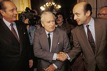 Jacques Chirac (born in 1932), French politician, running for the presidency, at the Bordeaux City Hall with Jacques Chaban-Delmas and Alain Juppé. Bordeaux (France), March 1995. © Jean-Paul Guilloteau/Roger-Viollet