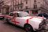 Rolls Royce peinte aux couleurs de l'Angleterre à l'occasion d'un match de la coupe du monde de football. Londres (Angleterre), 30 juin 1998.  © Gretel Ensignia / TopFoto / Roger-Viollet