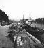 Les quais et le pont des Arts. Paris, vers 1860. Détail d'une vue stéréoscopique. © Léon et Lévy / Roger-Viollet