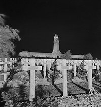 Cemetery and ossuary of Douaumont (France). Built from 1920 to 1932 in the Meuse region (architects : Léon Azema, Jacques Hardy and Max Edrei). Photograph by Gaston Paris (1903-1964). © Gaston Paris / Roger-Viollet
