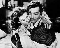 """Gone with the wind"", film by Victor Fleming. Clark Gable and Vivien Leigh. 1939. © Collection Roger-Viollet / Roger-Viollet"