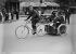 Guerre 1939-1945. Vélo-taxi à Paris.  © LAPI/Roger-Viollet