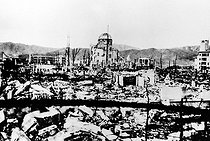 "World War II. Panorama of Hiroshima after the atomic bomb with the head office of the ""Industrial promotion"" which will be kept as the symbol of the first explosion of an atomic bomb over a city, under the name of ""Atomic dome"". © Roger-Viollet"