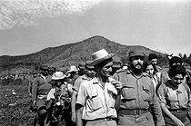Fidel Castro (1926-2016), Cuban revolutionary and statesman, going with a class of doctors during their climbing of the Pico Turquino, in the Sierra Maestra. Cuba, circa 1960. © Gilberto Ante / Roger-Viollet