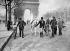 Guerre 1939-1945. Cavalier sur les Champs-Elysées. Paris, mars 1944. © LAPI/Roger-Viollet