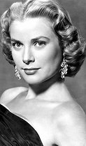 November 12, 1929 (90 years ago) : Birth of Grace Kelly (1929-1982), American actress and Princess of Monaco