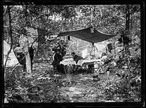 "Official day for the jubilee of the ""Touring club de France"". Members o fthe Touring camping in the Marly forest (France), on June 9, 1919. Photograph published in the newspaper ""Excelsior"" on Tuesday, June 10, 1919. © Excelsior - L'Equipe / Roger-Viollet"