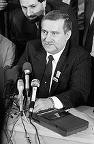 Lech Walesa (born in 1943), Polish politician and trade unionist, during a press conference. Paris, hôtel Concorde-Lafayette, on December 2nd, 1988. © Carlos Gayoso / Roger-Viollet