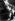Construction de locomotives. Vérification de l'étanchéité de la tuyauterie à la vapeur. Angleterre, 1946. © Jacques Boyer/Roger-Viollet