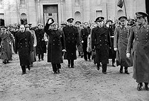 General Francisco Franco leaving the Escurial palace after José Antonio Primo de Rivera's funeral (shot by the Republicans in 1936), followed by ministers and civil and military personalities. © Albert Harlingue / Roger-Viollet