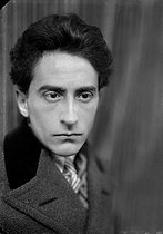 Jean Cocteau (1896-1963), French writer, dramatist and director. Paris, 1926. © Henri Martinie / Roger-Viollet