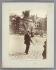 Marchand de jouets, jardin des Plantes. Paris (Vème arr.), 1898. Photographie d'Eugène Atget (1857-1927). Paris, musée Carnavalet. © Eugène Atget / Musée Carnavalet / Roger-Viollet