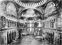 Inside view of the basilica Hagia Sophia. Istanbul (Turkey). © Roger-Viollet