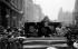 Emmeline Pankhurst (1858-1928), suffragette britannique, libérée sous caution après une accusation de conspiration. Londres (Angleterre), Bow Street, 1912. © PA Archive / Roger-Viollet