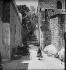 Les marches du Saint-Sépulcre. Jérusalem (Palestine, Israël), vers 1865. © Léon et Lévy / Roger-Viollet