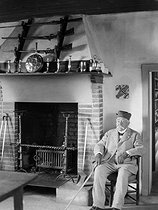 Georges Clemenceau (1841-1929), French politician, in his house in Saint-Vincent-sur-Jard (Vendée), circa 1925. © Henri Martinie/Roger-Viollet
