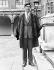 Le prince Charles vêtu de la toge de l'université de Cambridge (Angleterre), 9 octobre 1967. © TopFoto/Roger-Viollet