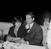 Jacques Demy (1931-1990) and his wife Agnès Varda (1928-2019), French directors. © Noa / Roger-Viollet
