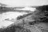 Percement du canal de Panama. Inondation de la tranchée de la Culebra, à la hauteur de la digue de Gamboa, avril 1913. © Jacques Boyer / Roger-Viollet