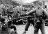 Guerre sino-japonaise (1937-1941). Enfants de l'orphelinat de Tch'ongk'ing (Chongqing-Sichuan) jouant à la guerre. © Roger-Viollet