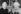 Albert Einstein (1879-1955), physicien américain d'origine allemande remettant la médaille Einstein du Forum juif à Thomas Mann (1875-1955), écrivain allemand, pour ses services humanitaires.1938. © Roger-Viollet