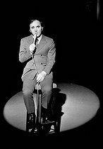 Charles Aznavour (1924-2018), Armenian-born French singer-songwriter and actor, during a television pragram, April 1973. © Roger-Viollet