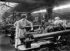 Guerre 1914-1918. Femmes travaillant dans une usine de munitions. France. © Maurice-Louis Branger/Roger-Viollet