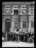 """Guerre 1914-1918. Paris fête l'intervention américaine. M. Sharp acclamé à l'Hôtel de Ville. Paris, 22 avril 1917. Photographie parue dans le journal """"Excelsior"""" du lundi 23 avril 1917. © Excelsior – L'Equipe/Roger-Viollet"""