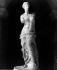 La Vénus de Milo. Sculpture grecque, 130-100 avant J.-C. Paris, Musée du Louvre. © Léopold Mercier/Roger-Viollet