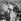 """Les frères Gibb (Robin, Maurice et Barry), Vince Melouney et Colin Peterson, membres du groupe musical australo-britannique les """"Bee Gees"""". 16 octobre 1957.  © PA Archive / Roger-Viollet"""