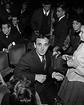 Charles Aznavour (1924-2018), Armenian-born French singer-songwriter and actor, at the Olympia. Paris, December 1961. © Studio Lipnitzki / Roger-Viollet
