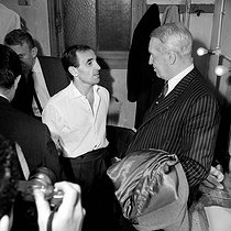 Charles Aznavour (1924-2018), Armenian-born French singer-songwriter and actor, with Maurice Chevalier (1888-1972), French actor and singer. © Noa / Roger-Viollet