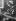 """""""La France travaille."""" Pêcheurs. Femme de pêcheur sardinier breton ramendant les filets bleus. Audierne (Finistère). 1931. Photographie de François Kollar (1904-1979). Paris, Bibliothèque Forney. © François Kollar / Bibliothèque Forney / Roger-Viollet"""