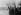 Guerre 1939-1945. Service d'ordre allemand dans Varsovie (Pologne) en ruines, après le 28 septembre 1939. © Roger-Viollet