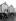 Couple discutant près d'une cabine de plage à roulettes dans la station balnéaire de Margate (Angleterre), août 1910. © PA Archive/Roger-Viollet