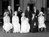 Baptême de la princesse Elisabeth d'Angleterre. Premier rang : Lady Elphinstone, la reine Mary de Teck, la duchesse d'York (future reine consort), la princesse Elisabeth, la comtesse de Strathmore et la princesse Mary. Second rang : le duc de Connaught, le roi George V, le duc d'York (futur roi George VI) et le comte de Strathmore. Londres (Angleterre), palais de Buckingham, 29 avril 1926. © PA Archive/Roger-Viollet