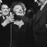 Edith Piaf (1915-1963), chanteuse française. Paris, Olympia, 24 décembre 1960. © Claude Poirier / Roger-Viollet